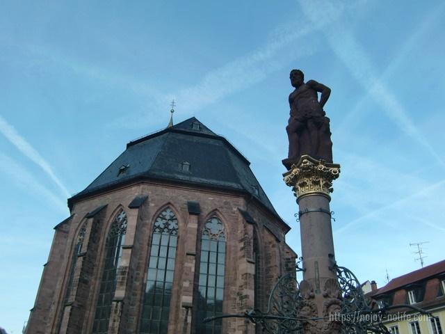 ドイツハイデルベルクマルクト広場怪力の勇士ヘラクレス像
