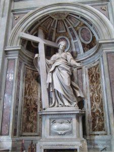 ローマバチカン市国サンピエトロ大聖堂聖エレナ像