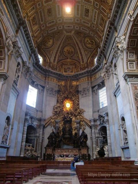 ローマバチカン市国サンピエトロ大聖堂聖ペテロの司教座