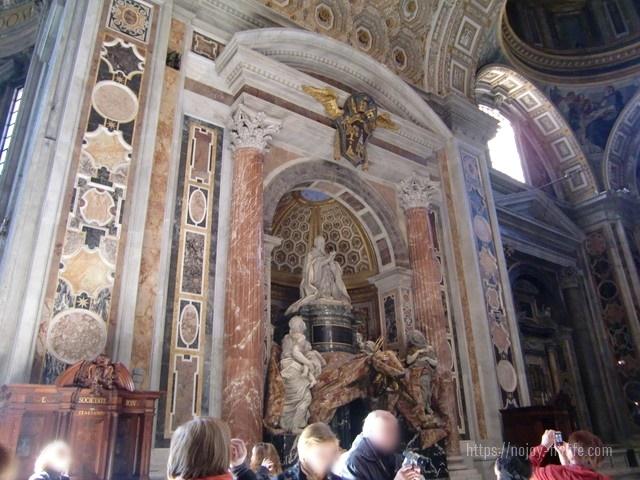 ローマバチカン市国サンピエトロ大聖堂アレクサンデル7世のお墓