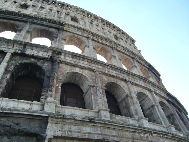 ローマ古代円形闘技場コロッセオ